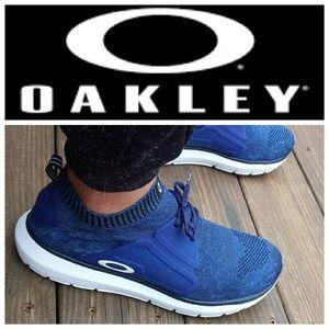 👣Blue Oakley flyknit Runners👣
